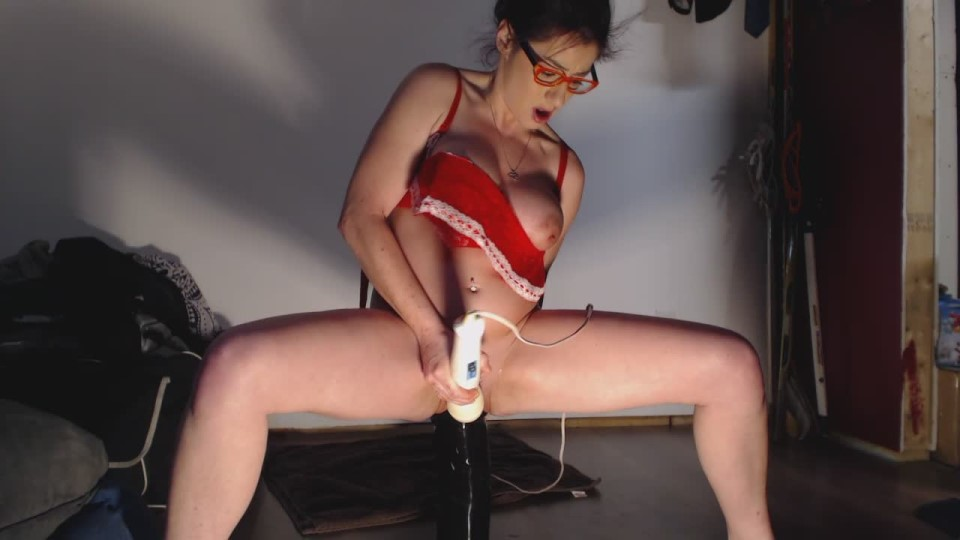 [HD] Petitefistingqueen 10Wks Preggo Trying 2 Take On The Titan PetiteFistingQueen - ManyVids-00:05:52   Big Toys, Huge Dildo, Huge Tits, Pussy Gaping, Pussy Stretching - 130 MB