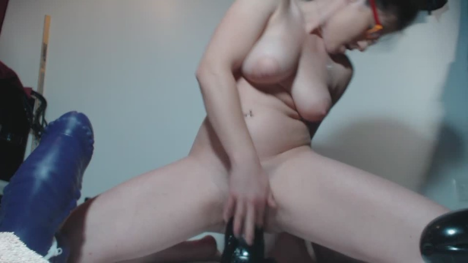 [HD] Petitefistingqueen Hour Of Cunt Destruction Part 1 PetiteFistingQueen - ManyVids-00:33:50 | Huge Dildo, Pussy Gaping, Pussy Stretching, Gaping, Fisting - 1,1 GB