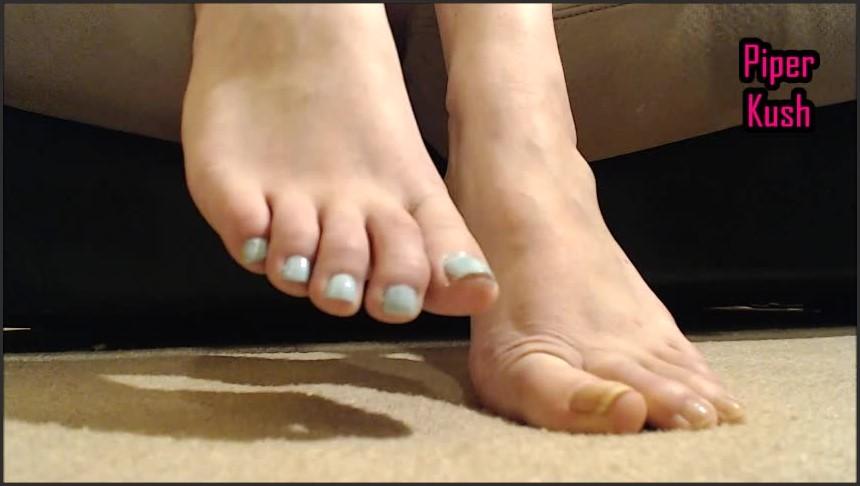 [SD] Piper Kush Painting My Toes Piper Kush - Manyvids-00:06:56   Size - 221,6 MB