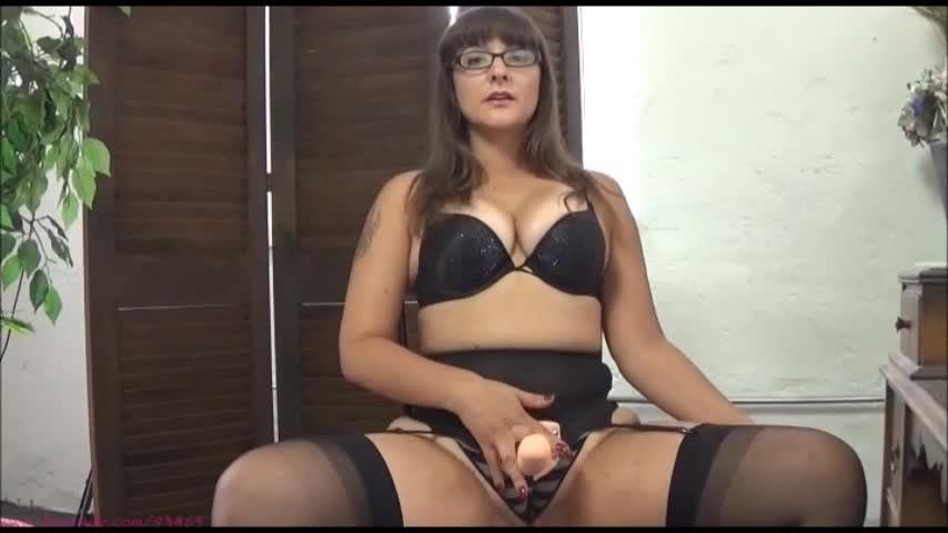 [SD] sarah michelle be my cock sucking whore Sarah Michelle - ManyVids-00:10:25 | Femdom POV,Princess,Slave training,Strap-On,Submissive Sluts - 463,1 MB