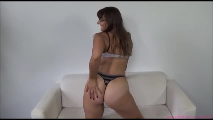 [SD] Sarah Michelle Jerk It To My Bouncing Booty Sarah Michelle - ManyVids-00:04:39 | Ass Fetish,Ass Shaking,Masturbation Encouragement,Thong Fetish,White Booty - 171,3 MB
