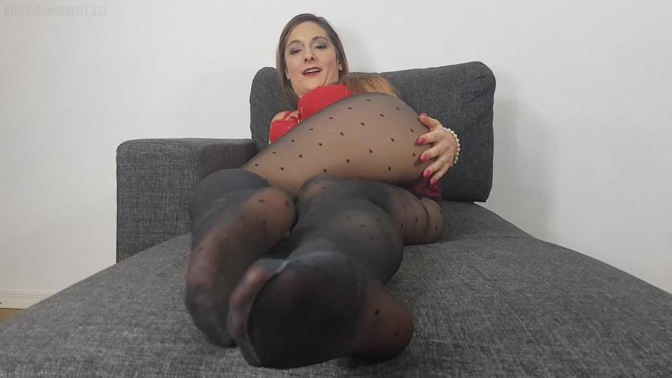 [Full HD] Sarah Michelle Polka Dot Paradise Sarah Michelle - ManyVids-00:08:38 | Legs,Masturbation Encouragement,Non-Nude,Pantyhose,Satin Panties,SFW - 635,9 MB