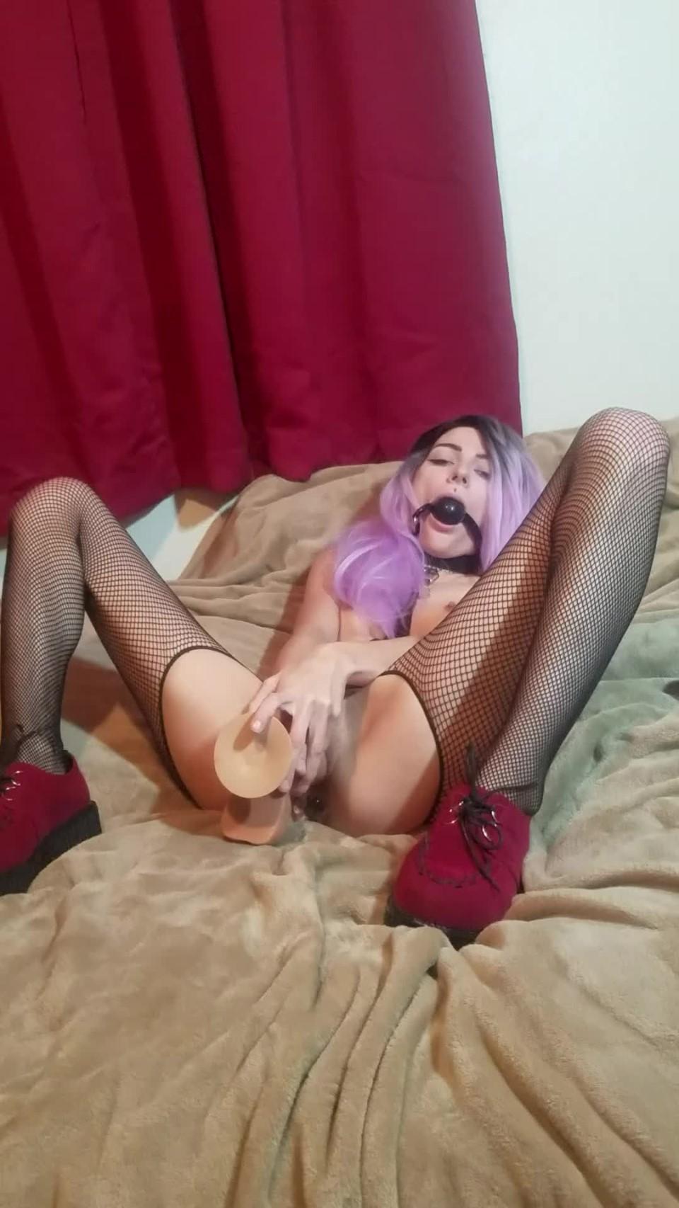 [Full HD] Sasiemayy Gagged Masturbation And Anal Play Sasiemayy - ManyVids-00:05:02   Ballgagged, Butt Plug, Foot Fetish, Hairy Armpits, Masturbation - 621,3 MB