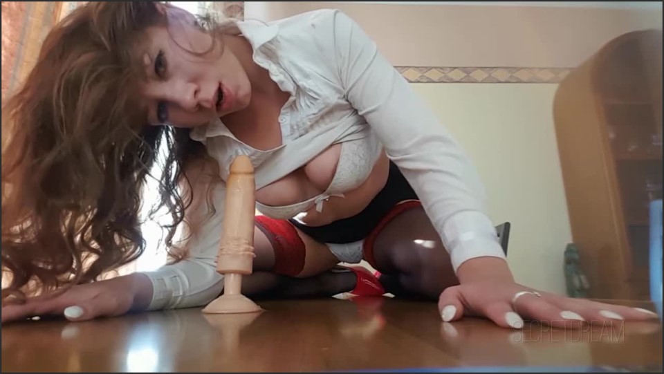 [HD] secretdream interview sexy assistant SecretDream - ManyVids-00:17:21 | Blowjob, Interviews, Riding, Role Play, Squirting - 467,2 MB