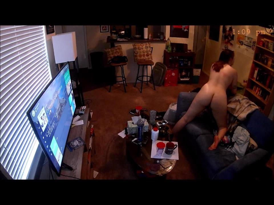 [Full HD] Shakirigirl20 Security Cam Housesitters Show Shakirigirl20 - ManyVids-00:14:46   Hidden Cam, Striptease, Fingering - 1,8 GB