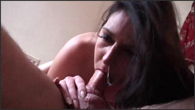 [LQ] Sophie Gxxx Headlock Blowjob Sophie Gxxx - Web Cam-00:03:55   Size - 25,3 MB