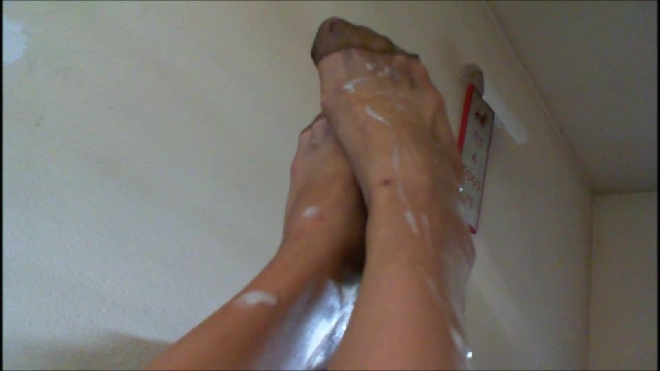 [HD] Spanish Hot Blondie Pantyhose Footjob Cumshot On Feet Spanish Hot Blondie - ManyVids-00:04:47   Amateur, Feet, Footjobs, Pantyhose, Pantyhose Footjobs - 333,4 MB