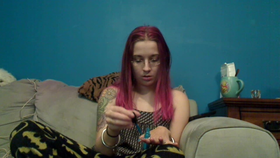 [HD] Sparrowsummers Ignored For A Manicure SparrowSummers - ManyVids-00:08:11 | Finger Nail Polishing, Ignore, Voyeur - 142,4 MB