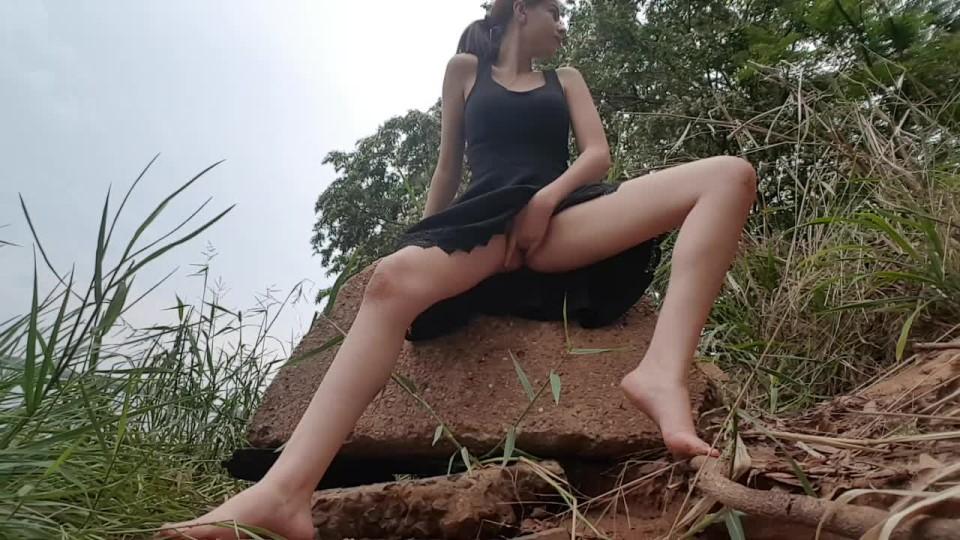 [HD] Sweet Teen Masturbation On The River Sweet Teen - ManyVids-00:10:22 | Ass, Outdoors, Public Outdoor, Cum Play, Teens - 258,5 MB