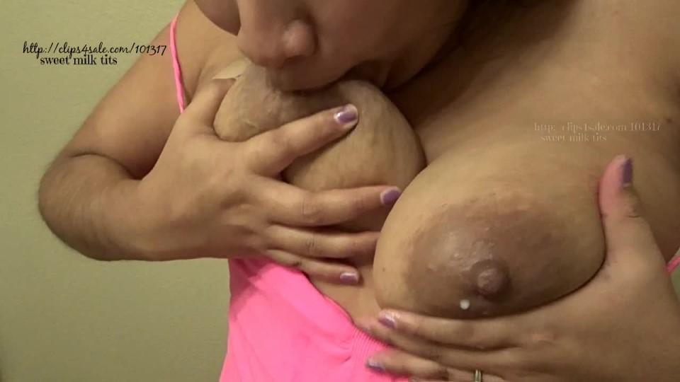 [HD] Sweetmilktits Engorged Self Suck Sweetmilktits - ManyVids-00:07:34   Big Tits, Huge Tits, Lactating, Self Sucking, Tit Play - 285,8 MB