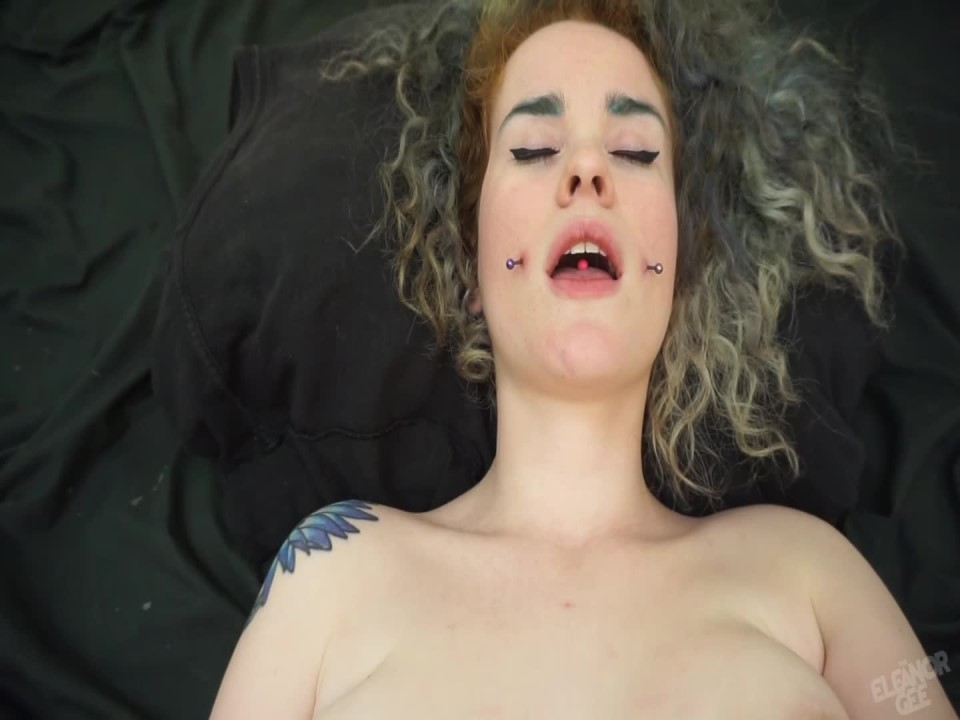 [Full HD] Theeleanorgee Giggly Beautiful Agony TheEleanorGee - ManyVids-00:05:11 | Orgasms, Big Tits, Nipples, Fingering - 302,1 MB