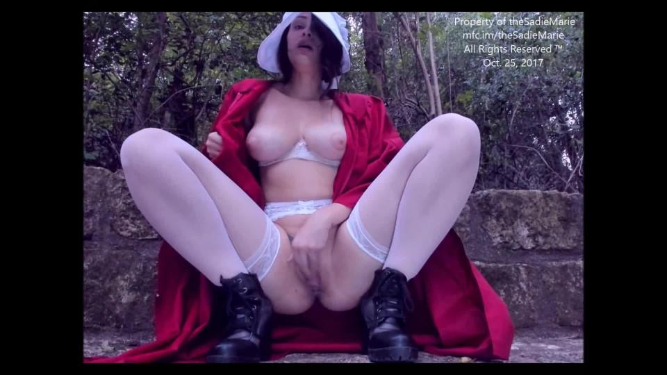 [Full HD] Theesadiemarie A Handmaids Tale TheeSadiemarie - ManyVids-00:14:19 | Lace/Lingerie, Maid Training, Public Nudity, Public Outdoor, Public Flashing - 1,3 GB
