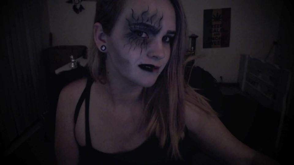[HD] Victoria Winters Dark Angel Asmr Victoria Winters - ManyVids-00:06:18 | ASMR, Blonde, Costume, Fingernail Tapping, Halloween - 295,1 MB