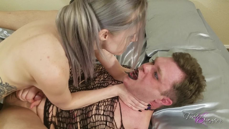 [Full HD] Violetoctober Pegging Panic VioletOctober - ManyVids-00:25:46 | Pegging, Strap-On, Makeup, Fishnets, Anal - 1,9 GB