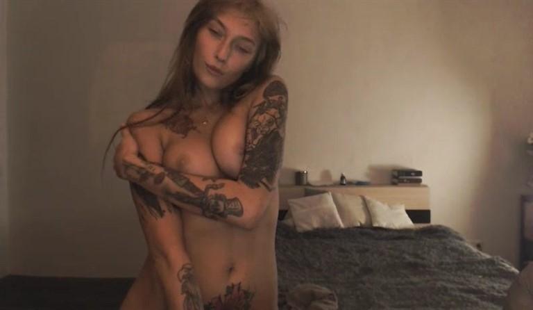 [SD] Webcam Slut 22.03.2017 Webcam Slut - SiteRip-00:25:00 | Posing, Solo, Erotic, Masturbation - 239,4 MB