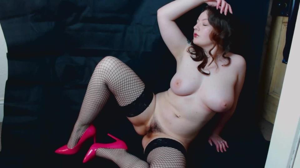 [HD] Xxcurvycleoxx Adult Photoshoot Film XXCurvyCleoXx - ManyVids-00:20:09   Fishnets, High Heels, Photo Shoot, Stocking, Strip Tease - 532,4 MB