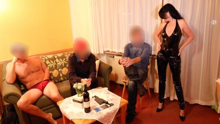 [HD] Alexandra Wett Fan Meeting With The Latex Slut Alexandra Wett - ManyVids-00:07:35 | Anal,Cumshots,Gangbangs,Group Sex,Latex - 351,2 MB