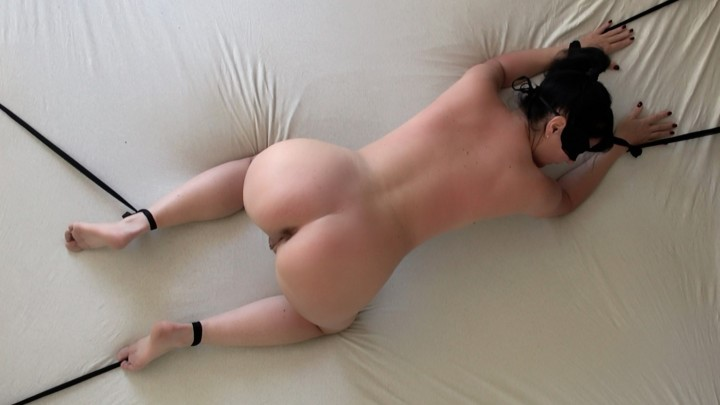 [Full HD] Alexandra Wett Tied Up And Delivered Use Me As You Wan Alexandra Wett - ManyVids-00:05:11 | Anal,BDSM,Fucking,Hardcore,Ass - 382,7 MB