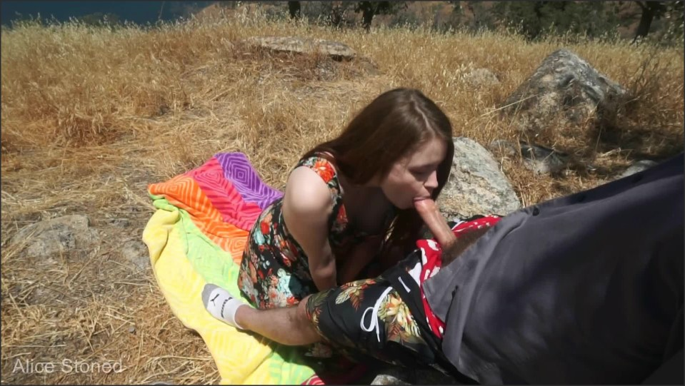 [Full HD] Alice Stoned Outdoor Blowjob Mix - ManyVids-00:10:37   Size- 271,8 MB
