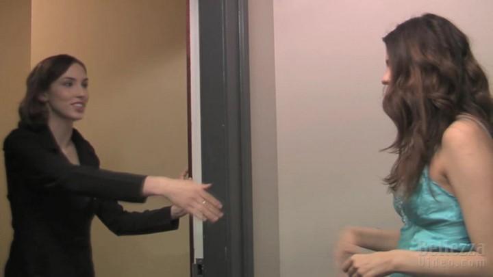 [HD] Amber Chase Lesbian Escort Part 1 Amber Chase - ManyVids-00:14:09   Big Boobs, Fetish, Lesbians, POV, Upskirt - 511,3 MB