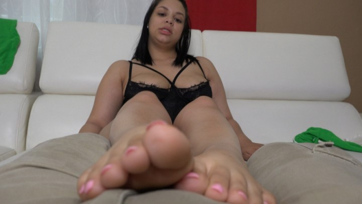 [Full HD] Amberrainx My Foot Rub Over Pants AmberRainX - ManyVids-00:05:22 | Foot Fetish, Feet, Feet JOI, Toe Fetish, Latina - 351,5 MB