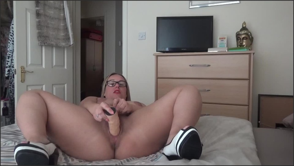 [HD] Ashleyrider Caught Wanking Let Mommy Help AshleyRider - ManyVids-00:14:29 | Big Butts, Dildo Fucking, Dirty Talking, Gender Play, Mommy Roleplay - 245,4 MB