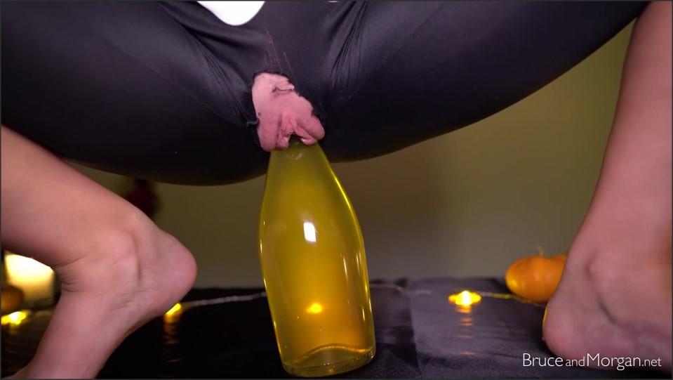 [Full HD] bruce and morgan submissive skeleton bruceandmorgan - ManyVids-00:16:12   Pee,Camel Toe,Kink,Solo Female,Close-Ups - 629,9 MB