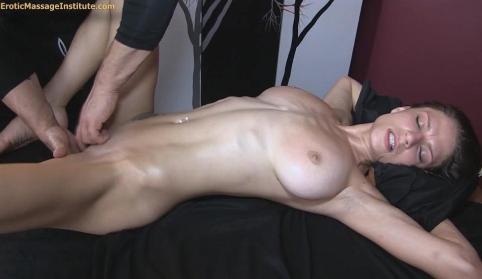 Dillion Carter 79 Full Massage W