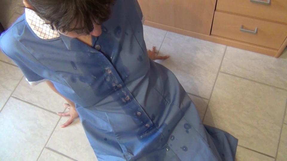 [Full HD] Germanhotmilf Sperm Dripping Onto The Smock GermanHotMilf - ManyVids-00:08:56   Apron Fetish,Blowjob,Parody,Big Loads,Home Video - 509,3 MB