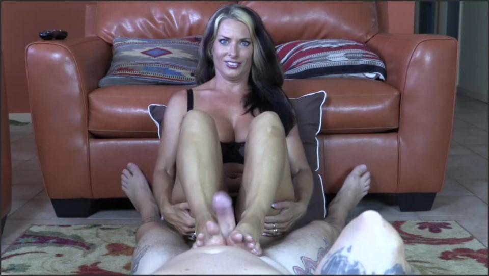 [HD] Goldie Blair Foot Fuckers GOLDIE BLAIR - ManyVids-00:10:08   Barefoot, Footjobs, Cumshots, Foot Fetish, POV - 285,3 MB