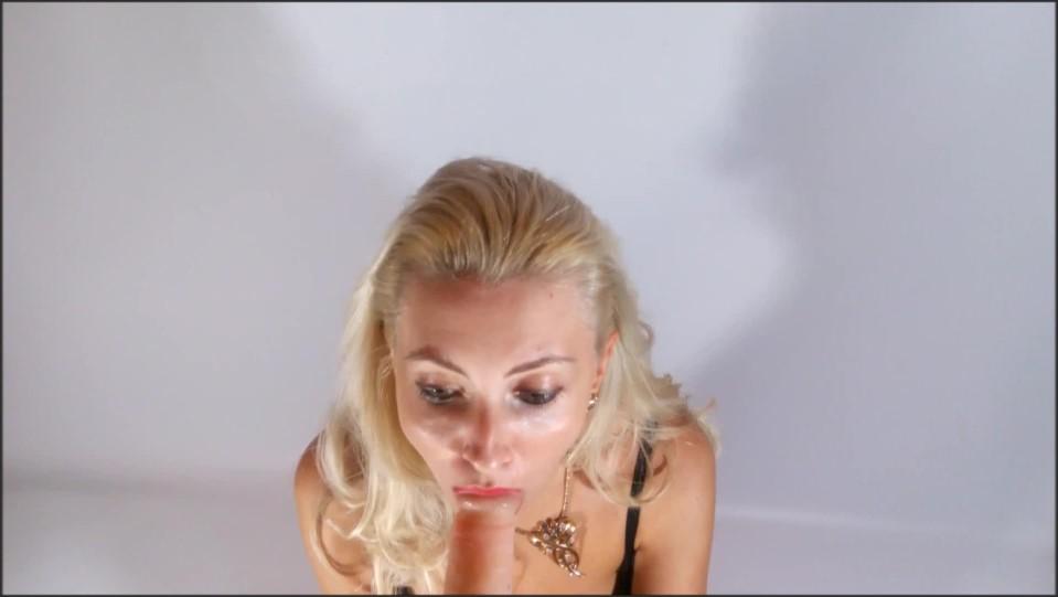 [Full HD] helena moeller cum on my nylons and dildo suckin Helena Moeller - Manyvids-00:09:25 | Size - 348,8 MB