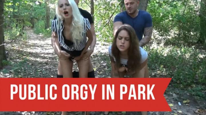 [Full HD] Helena Moeller Mega Public Orgy In Park Helena_Moeller - ManyVids-00:08:51 | Public Blowjob,Public Outdoor,POV Sex,Cumshots,Group Sex - 329,9 MB
