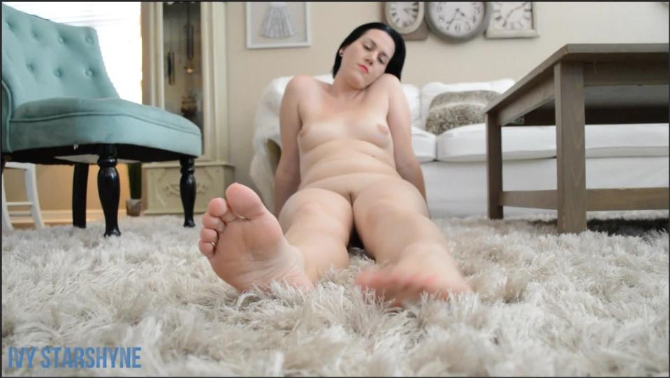 [Full HD] Ivystarshyne Barefoot Pussy Tits IvyStarshyne - ManyVids-00:03:36   Foot Fetish, Barefoot, Feet, Legs, Toe Wiggling - 212,8 MB