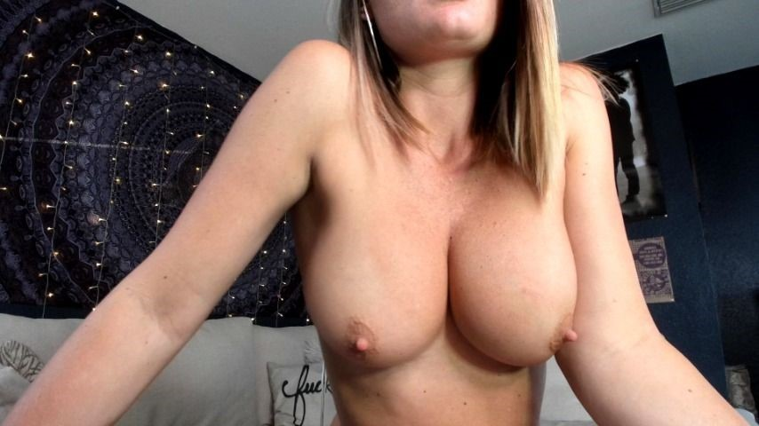 [SD] Lauranvickers Mommys Tits LauranVickers - ManyVids-00:05:01 | Mommy Roleplay, Role Play, Big Tits, Big Boobs, JOI - 171,9 MB