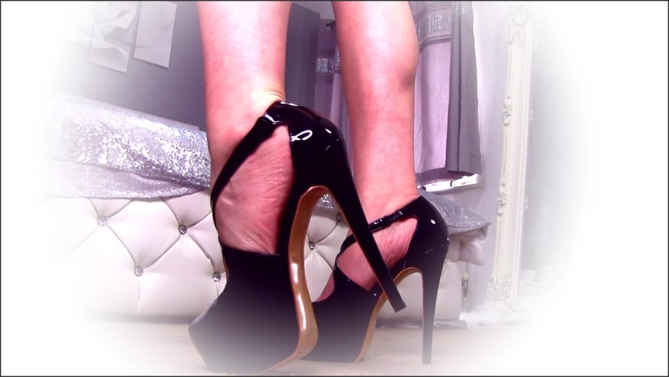 Lexiluxe Findom Feet