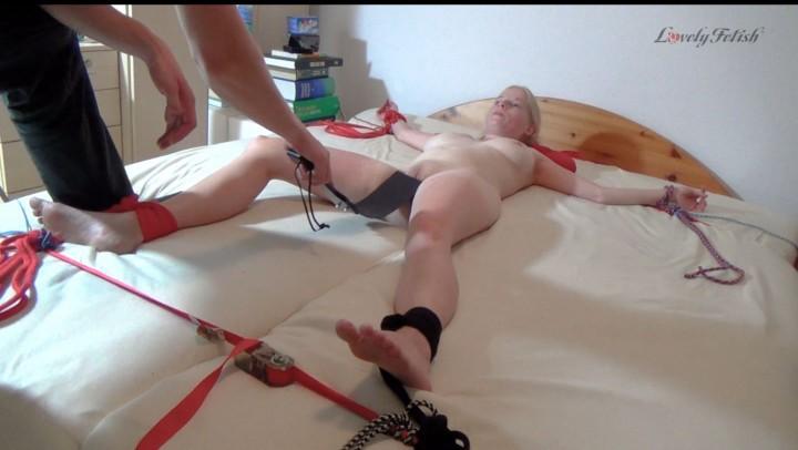 [Full HD] Lovely Fetish Clip 13 Lil A Bedtime Torment Part 1 Lovely Fetish - ManyVids-00:15:01 | Amateur, Corporal Punishment, Slave Training, Rope Bondage, Tickling - 664,7 MB