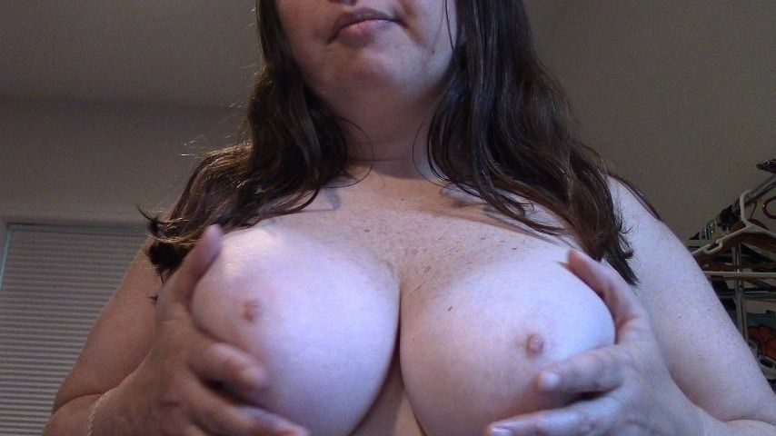 [Full HD] Melaniesweets Burping And Big Tits Fetish MelanieSweets - ManyVids-00:05:17   Burping,Big Tits,Amateur,Mouth Fetish,Cock Tease - 641,1 MB
