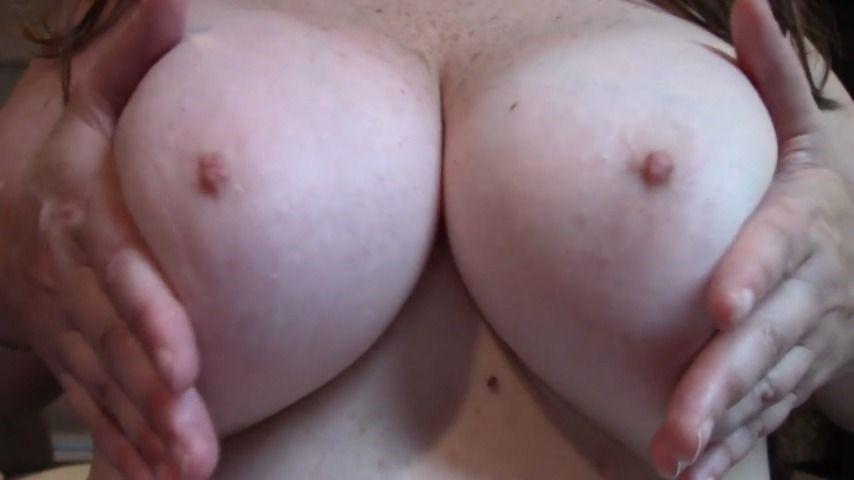 [HD] Melaniesweets Curvy Milf W Big Tits Body Tease And Joe MelanieSweets - ManyVids-00:05:22   MILF,Curvy,Big Ass,Big Tits,Amateur - 341,9 MB