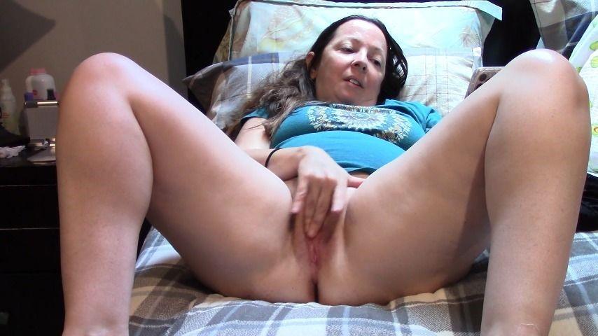 [Full HD] Melaniesweets Milf Watching Porn N Fingering Herself MelanieSweets - ManyVids-00:08:26 | Solo Masturbation,MILF,Finger Fucking,Latina,Orgasms - 1021,5 MB