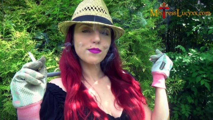 [4K Ultra HD] mistresslucyxx candid garden smoking in gloves 4k MistressLucyXX - ManyVids-00:06:49 | BDSM,Glove Fetish,Human Ashtray,Outdoors,Smoking - 1 GB