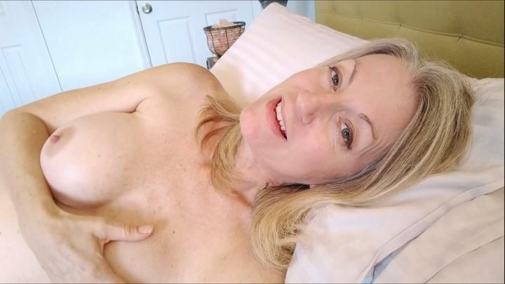 [Full HD] Morina Loving Mother Seduction MoRina - ManyVids-00:43:53   Dirty Talking, Impregnation Fantasy, MILF, Mommy Roleplay, Taboo - 2,4 GB
