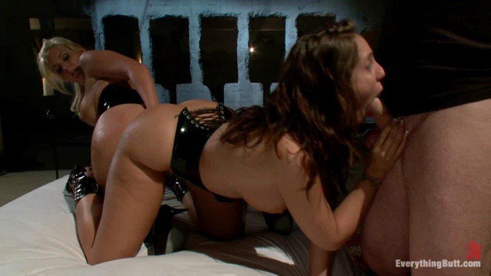 [HD] Oct 26 2010 Mark Davis Phoenix Marie And Kelly Divine Mix - SiteRip-01:02:37   Double Penetration, Lesbians, Anal, Toys, Hardcore, Facesitting, Strapon, Ass Licking, Fisting, Dildo, All Sex - 750,5 MB