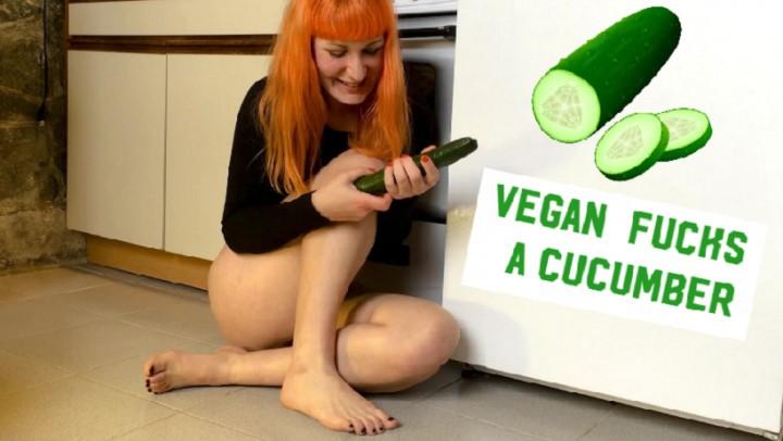 [Full HD] Princess Dazey Vegan Fucks A Cucumber Princess Dazey - ManyVids-00:22:06   Amateur, Blowjob, Food Masturbation, Food Porn, Masturbation - 1 GB