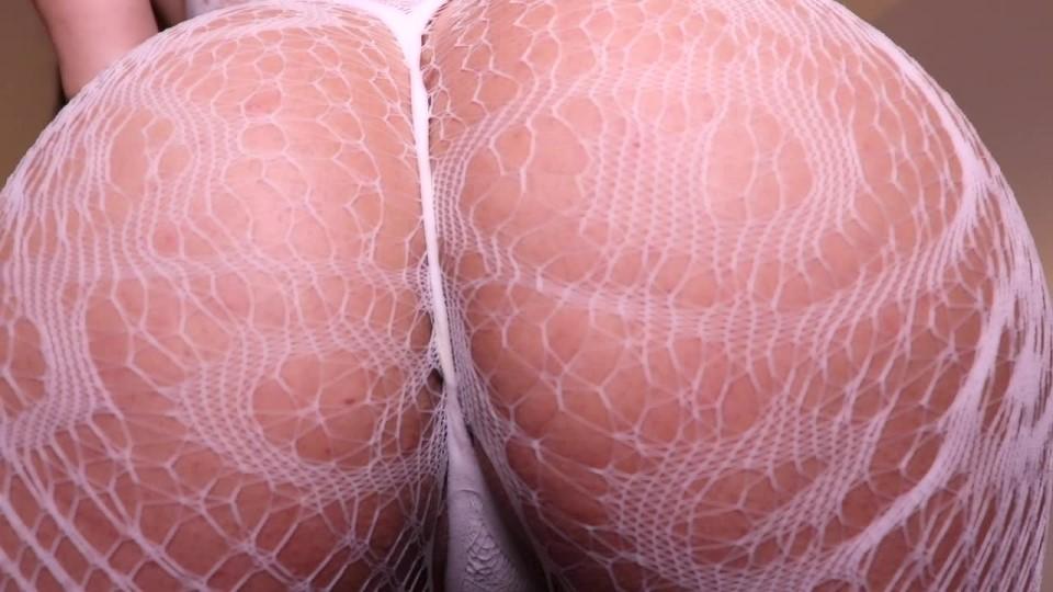 [HD] Queenregina Ass Teasing QueenRegina - ManyVids-00:10:01 | Ass Worship,Big Ass,Big Butts,Fishnets,JOI Games - 886,4 MB
