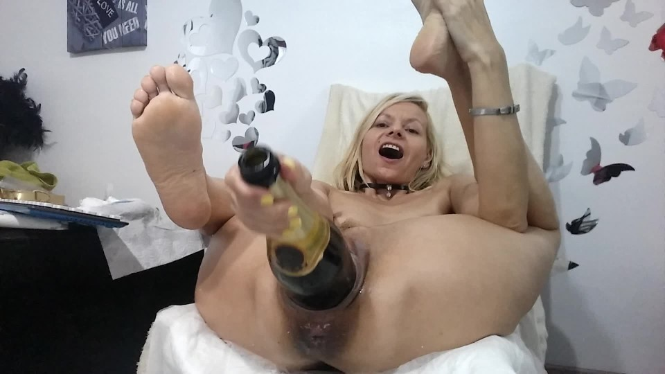 [Full HD] Raisawetsx Pussy Amp Bottle RaisaWetsX - ManyVids-00:07:59   XXX Hardcore, Big Pussies, Gape, Hardcore, Pussy Control - 1,1 GB