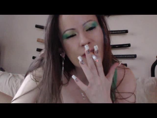 [SD] Vicki Peach Smoking Montage One Vicki Peach - ManyVids-00:16:54 | Fucking,Smoking,Threesome,Blowjob,Pornstars - 122,8 MB