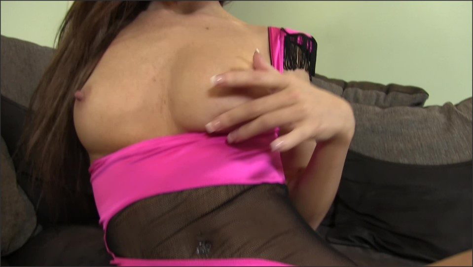 [Full HD] Whores Are Us Teasing My Brother Whores Are Us - Manyvids-00:11:04 | Size - 624 MB